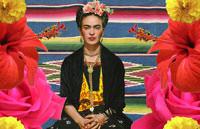 Han estrenado el cine documental en el que un fotógrafo japonés saca las fotos de los legados de Frida Kahlo.